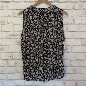 NWT Zac & Rachel black stone floral blouse